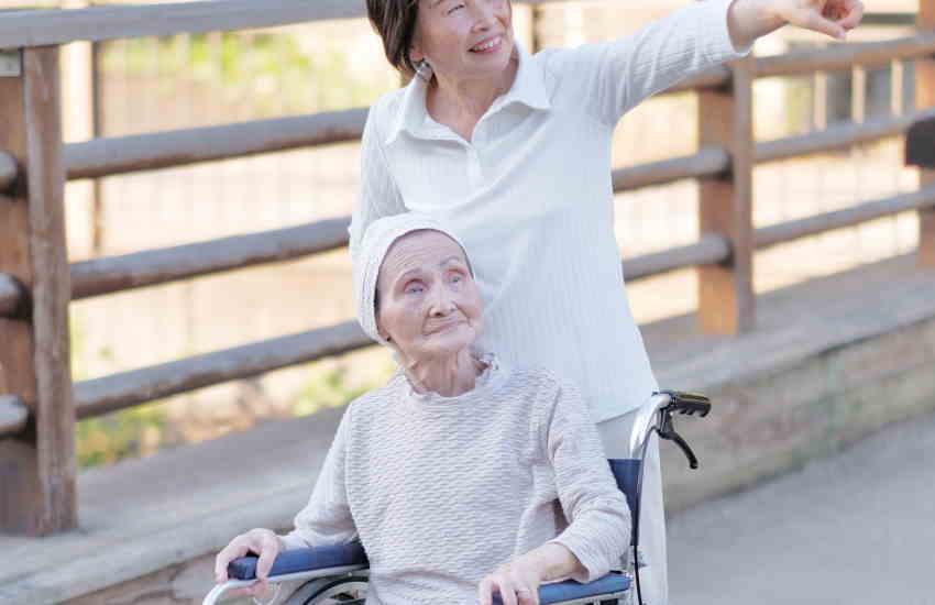 入院していた高齢者が退院したら歩けないのは筋力が落ちているから
